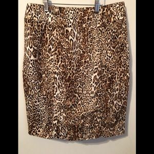 N.Y. and Company Size 6 Stretch Skirt
